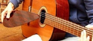 How to learn to play guitar from scratch on your own